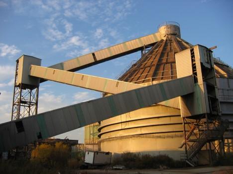 abandoned-sugar-mill-red-hook-revere-1