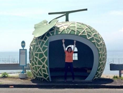 fruit-bus-stops-melon-2