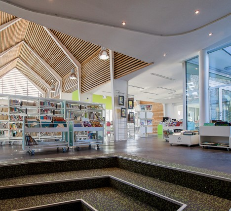 Room to read in a digital world 14 modern library designs for Modern library building design
