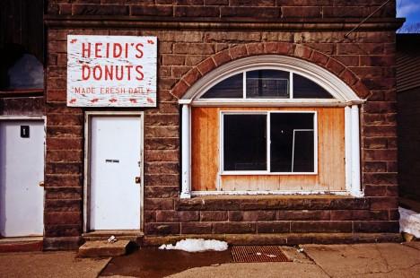 abandoned-heidis-donuts-9