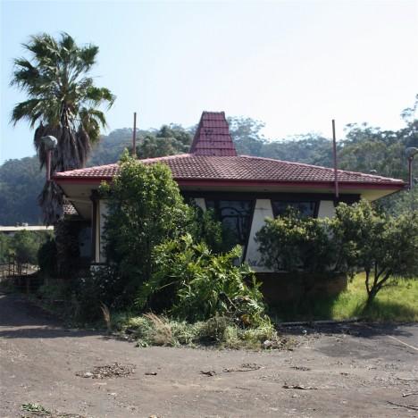 abandoned-pizza-hut-Gosford-Australia-1b
