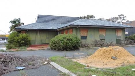 abandoned-pizza-hut-Perth-Australia-12b