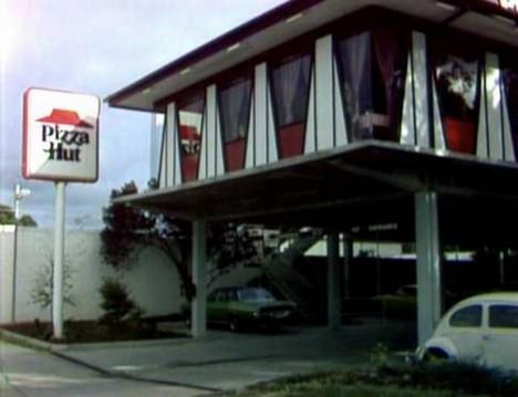 abandoned-pizza-hut-stilts-6b