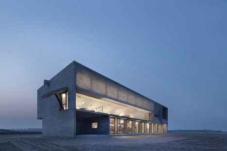 beach library 4