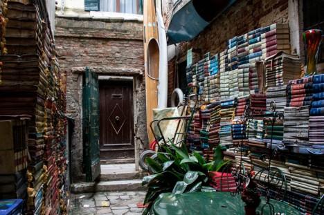 bookstores acqua alta