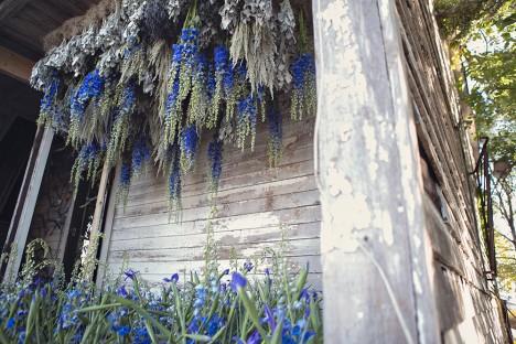 floral arrangements exterior porch