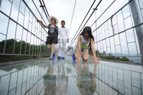 glass kneeling walks