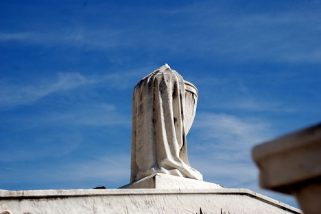 grave symbolism draped urn 2