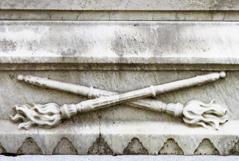 grave symbolism: inverted torch