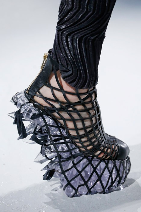 architectural fashion iris van herpen 5