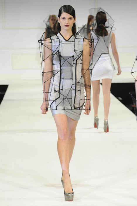 Wearable Architecture 29 Structural Silhouettes In Fashion Urbanist