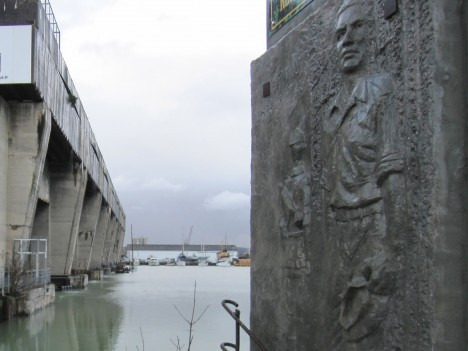 cruel concrete base sous marine 4