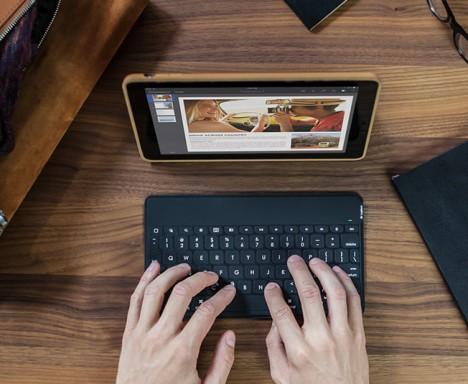 smartphone logitech keyboard 2