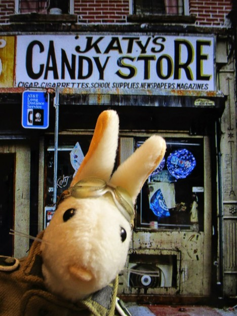 abandoned-candy-store-6b