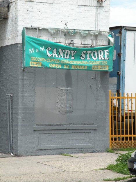 abandoned-candy-store-7a