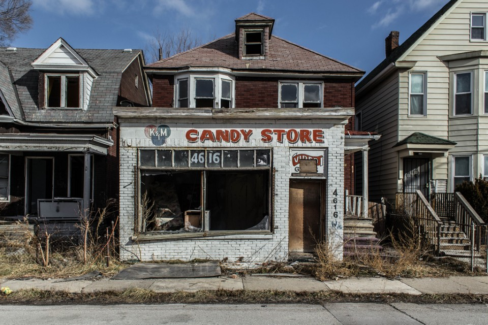 abandoned-candy-store-9b