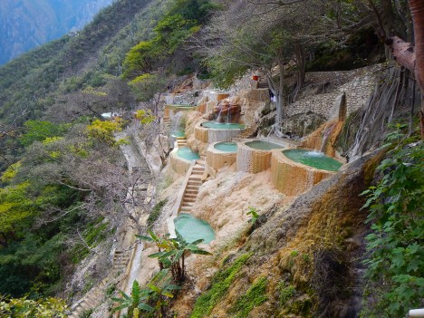hot springs grutas 1