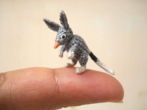 Knitting Patterns For Miniature Animals : Knit Wit: 17 Fantastically Weird Fiber Art Creations Urbanist