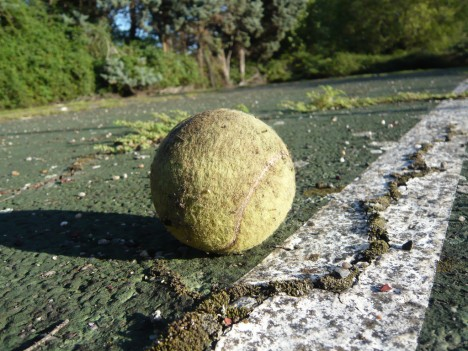 abandoned-tennis-court-4a