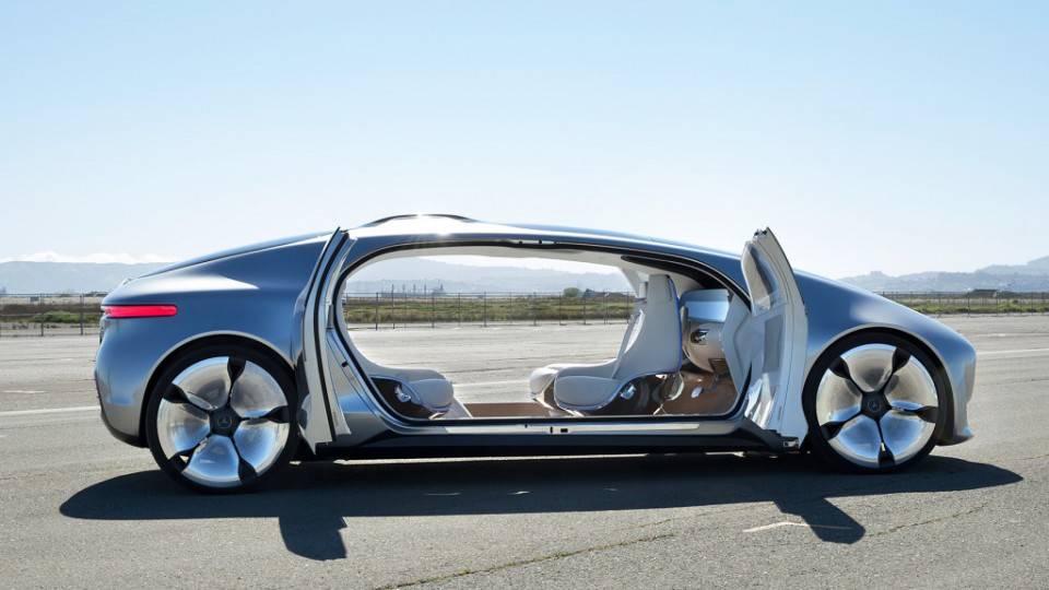 Driving On AutoPilot Future Visions Of Cars Commuting - Future cars