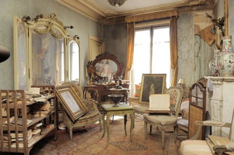 time capsule apartment paris