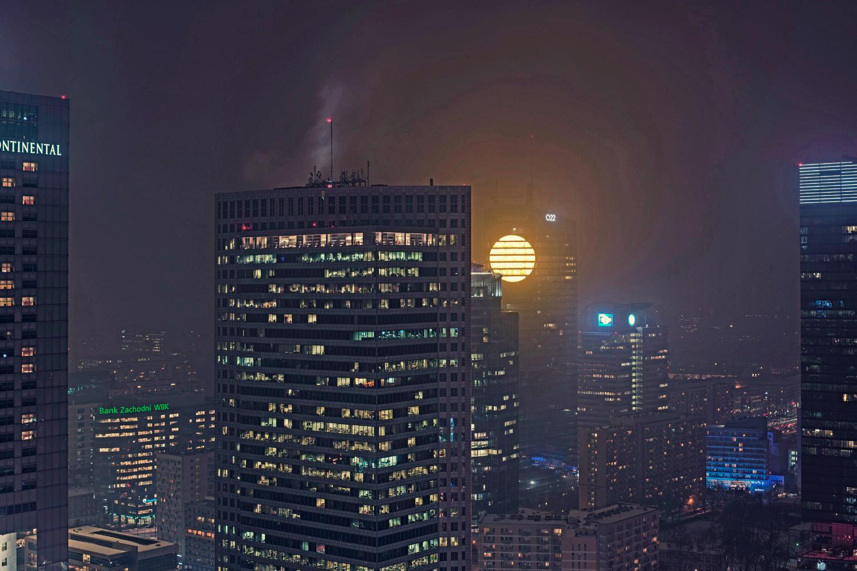 Cyberpunk Sunset Artificial Sun Lights Up Warsaw