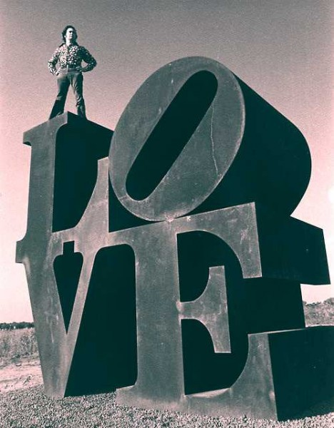 LOVE-sculpture-1b