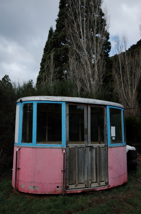 abandoned-bariloche-cable-car1