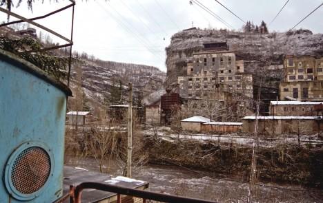 abandoned-chiatura-georgia-cable-car3