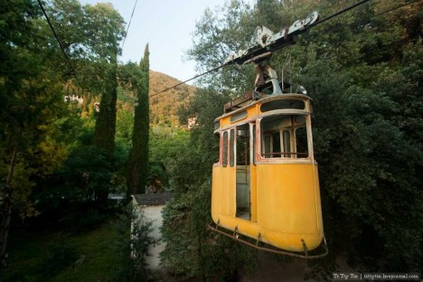 abandoned-gagra-cable-car1