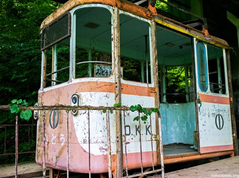 abandoned-okutama-cable-car4