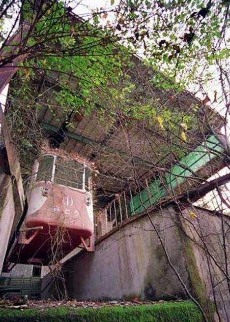 abandoned-okutama-cable-car5