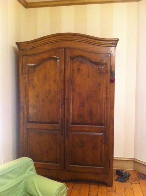hidden wardrobe narnia 1