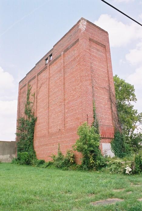 abandoned-ice-factory-5b