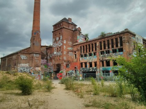 abandoned-ice-factory-7a