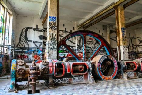 abandoned-ice-factory-7e