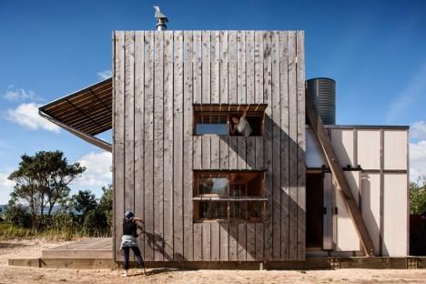 mobile cabin hut on sleds 2