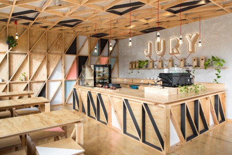 plywood jury cafe 2