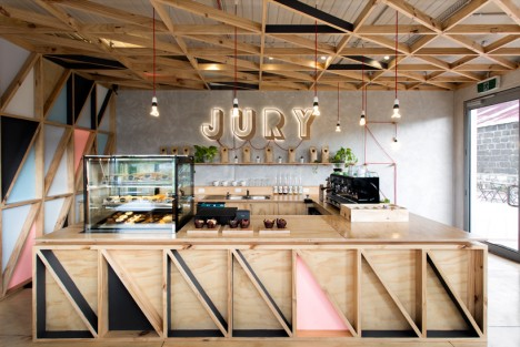 plywood jury cafe 3