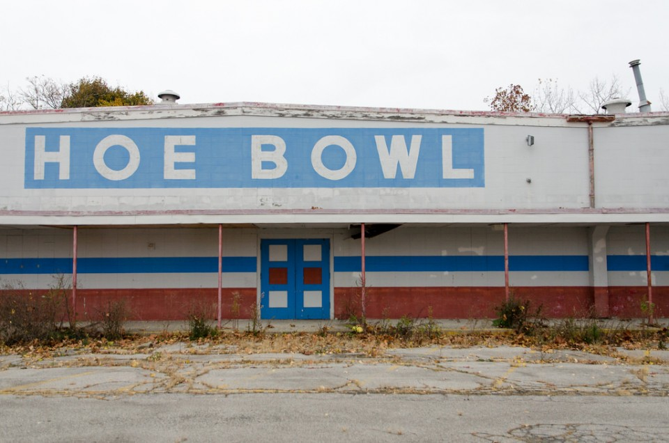 abandoned-bowling-alleys-1c