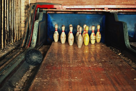 abandoned-bowling-alleys-2a