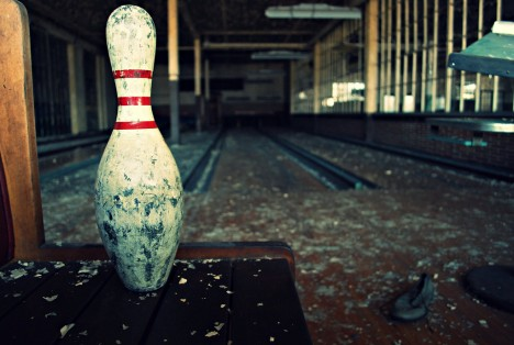 abandoned-bowling-alleys-2b
