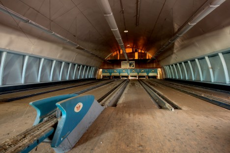 abandoned-bowling-alleys-9a