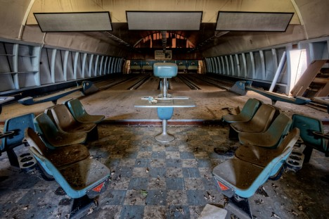 abandoned-bowling-alleys-9d