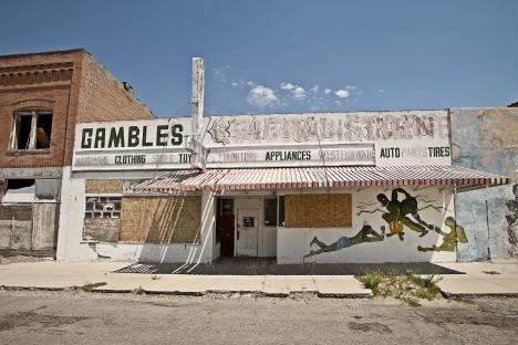 abandoned-lingerie-shops-11b