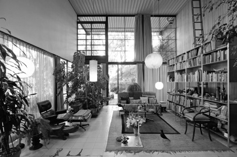 midcentury modern eames house 2