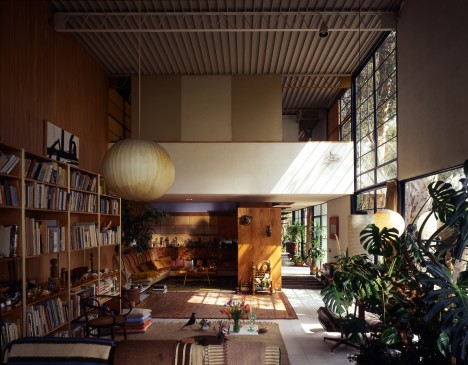 midcentury modern eames house 4