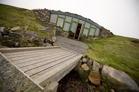 modern hobbit house hebridean 3