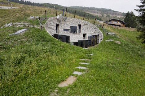 Modern hobbit houses 12 works of earth sheltered architecture urbanist - Underground dog houses ...