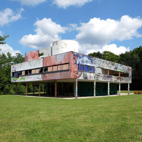 vandalized savoye